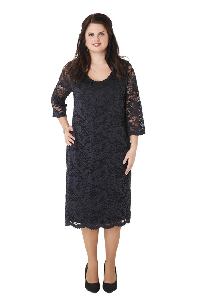 6bd3837e410c Το μπλε midi φόρεμα που θα το βρεις ΕΔΩ είναι ιδανικό για πολύ εντυπωσιακές  εμφανίσεις