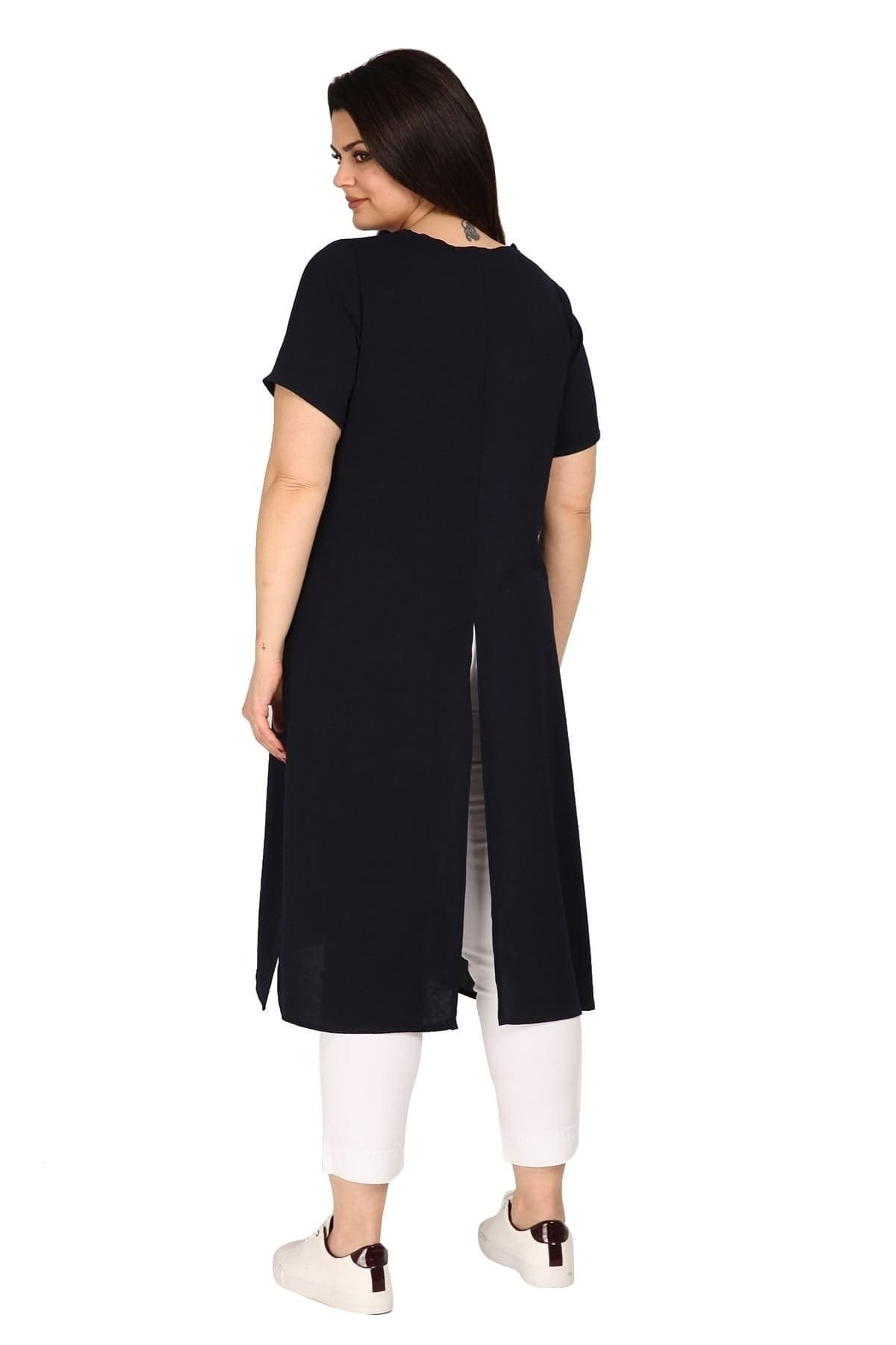 Longline tunic with cuts on the front