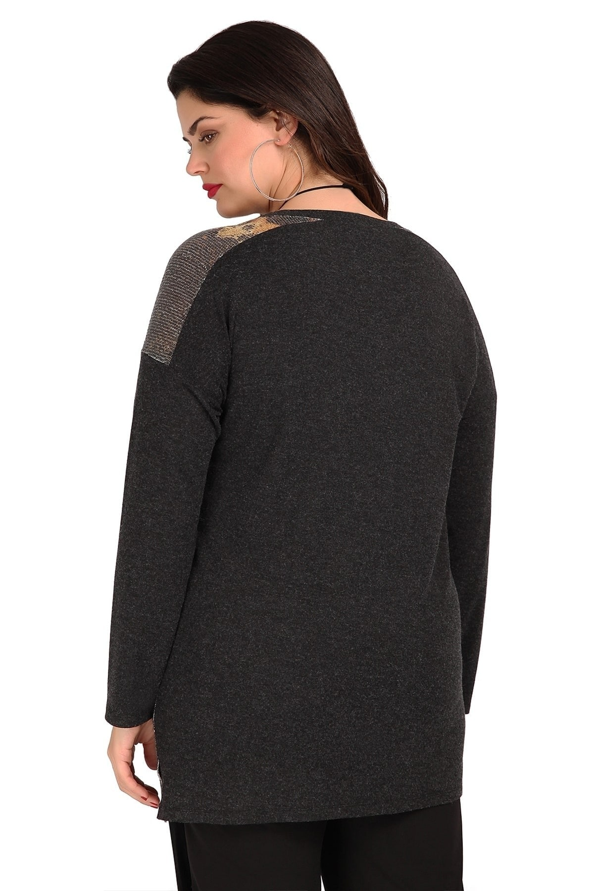 Tunic with lurex and asymetrical hem