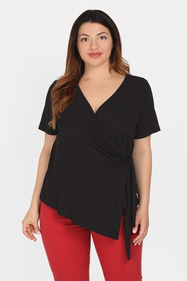 Shortsleeved wrap T-shirt