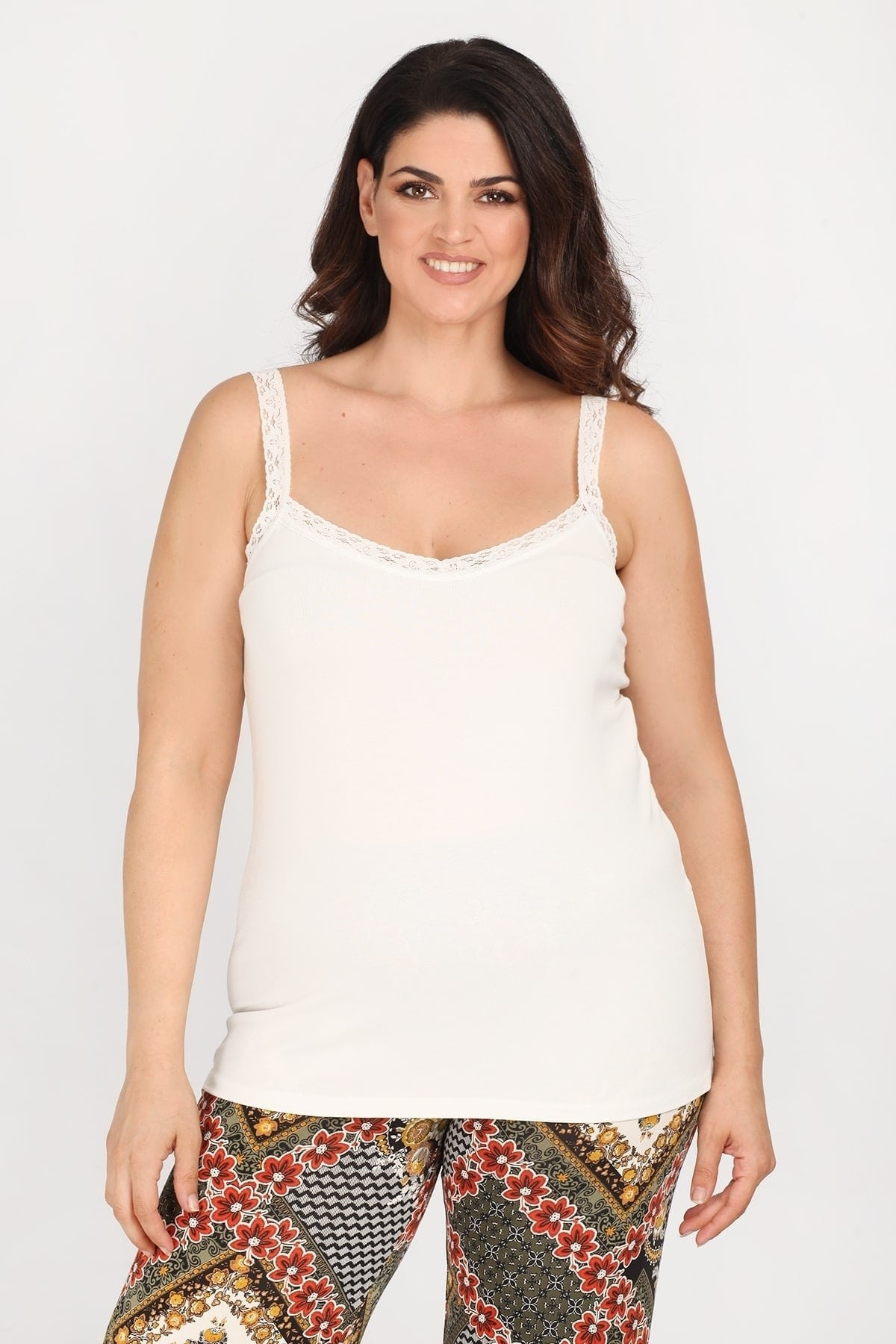 Tank sleeveless top with lace on the V