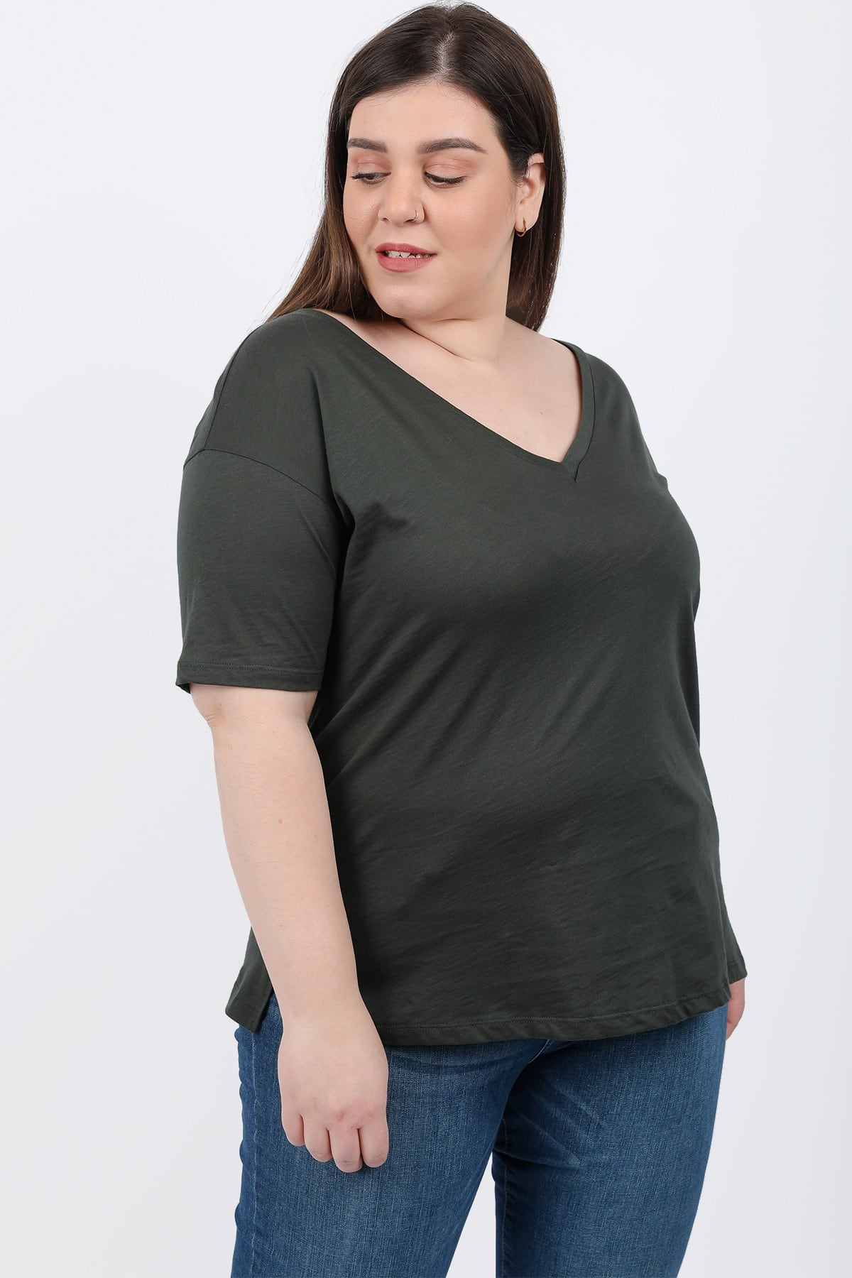 Basic top with V