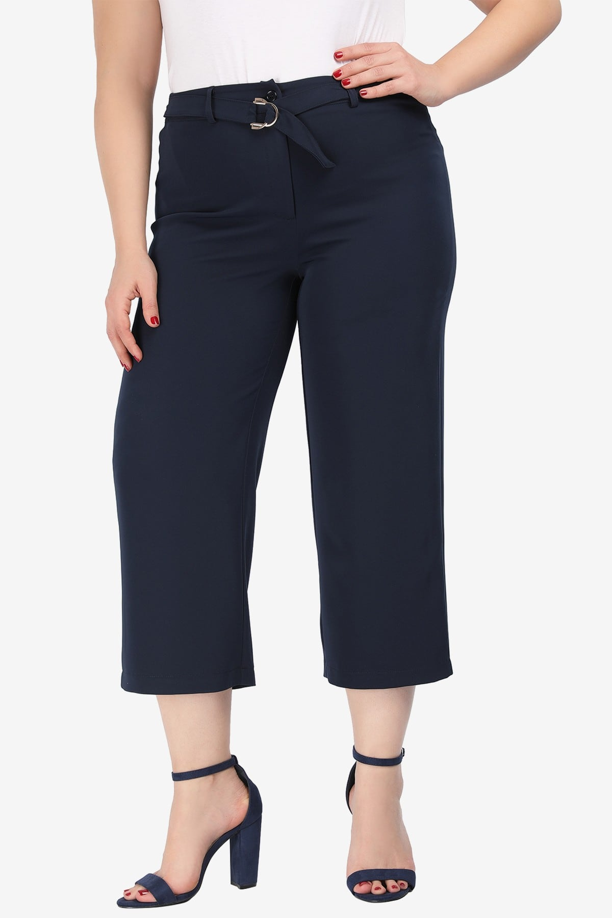 Cropped crepe trousers with belt