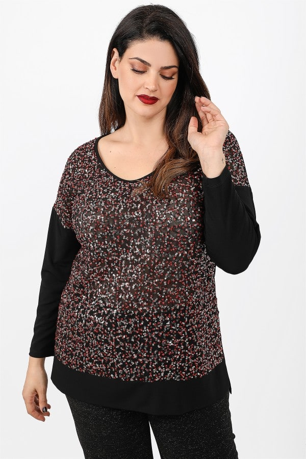 Blouse with sequins at the front view