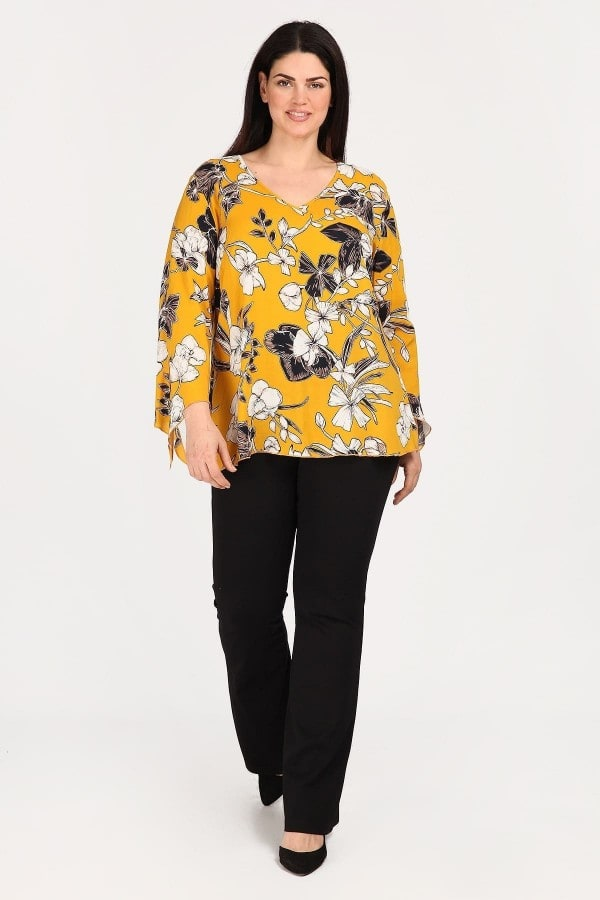 Viscose shirt-blouse with asymetrical sleeves