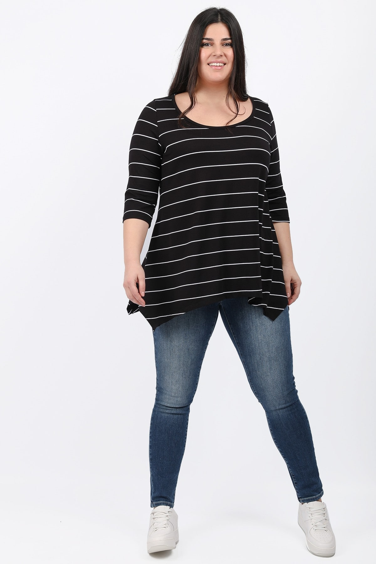 Basic stripe blouse with pointy hems