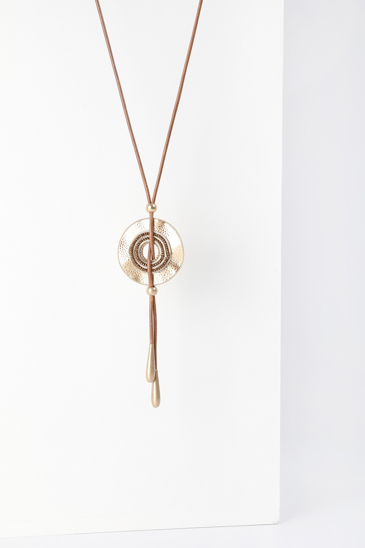 Long pendand with hoop