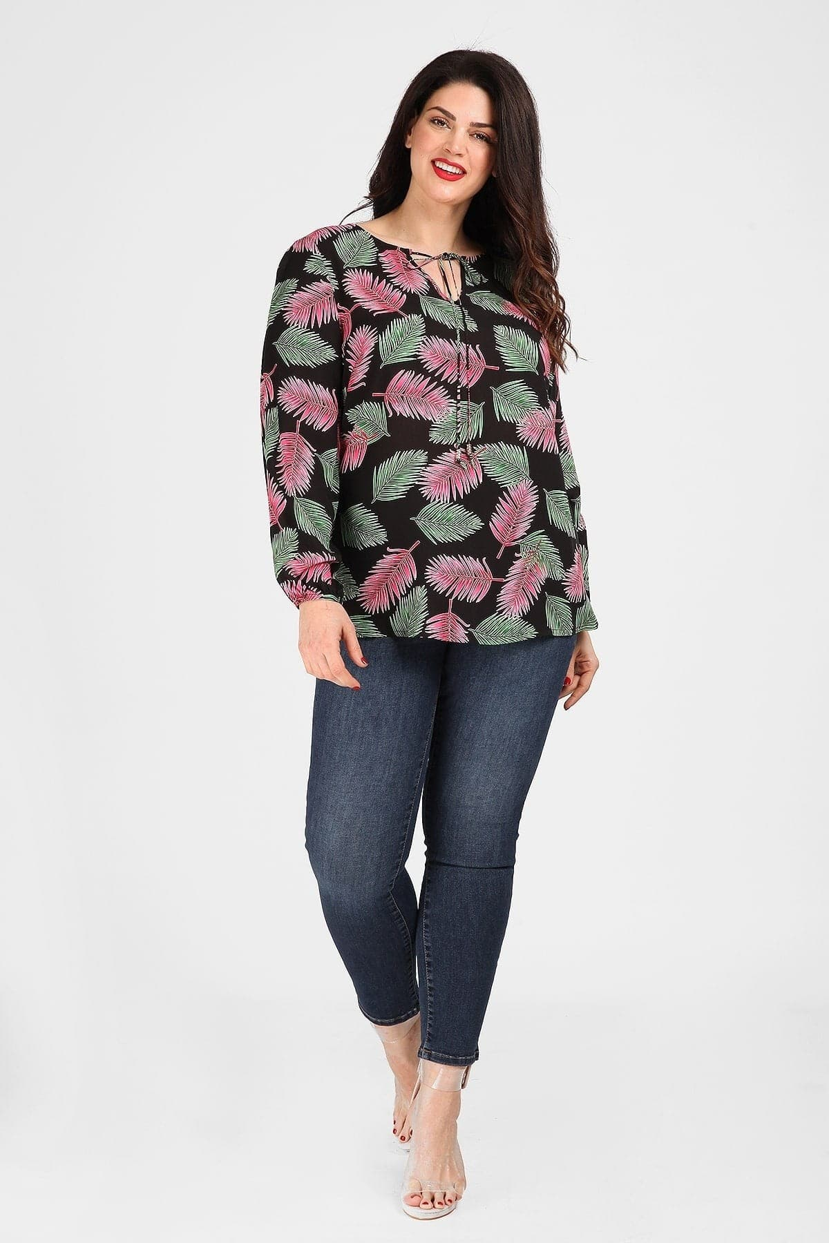 Shirtblouse in tropical print with ties