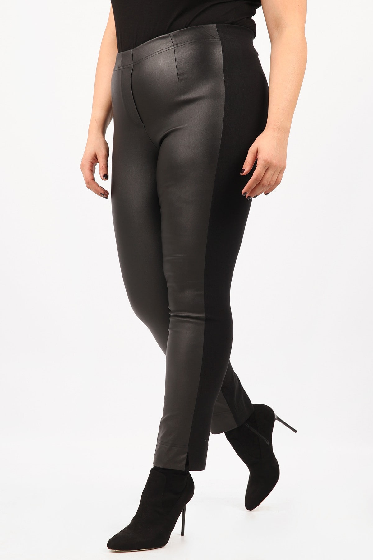 Treggings with leather like front view