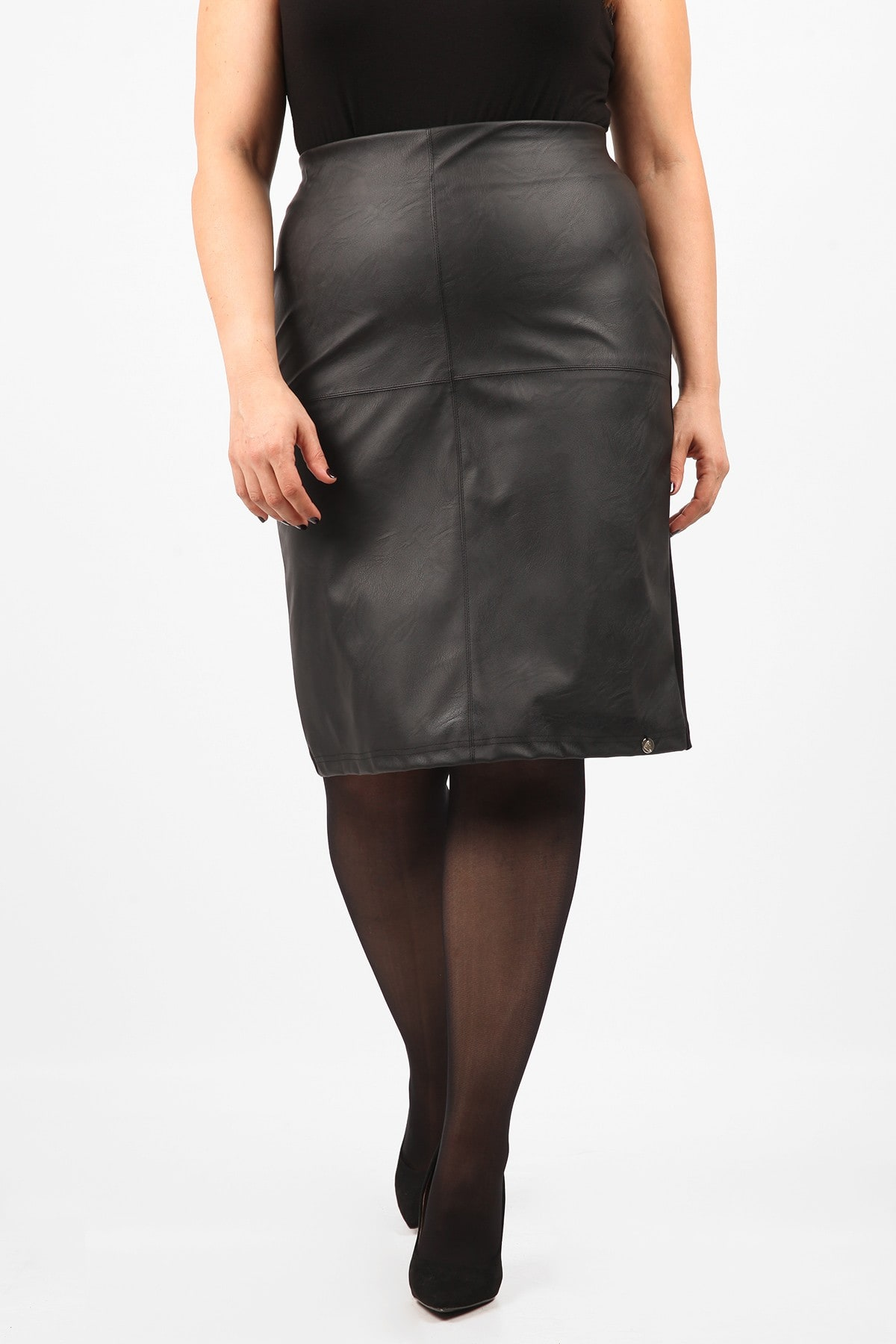 Pencil stretch skirt with leather like front view
