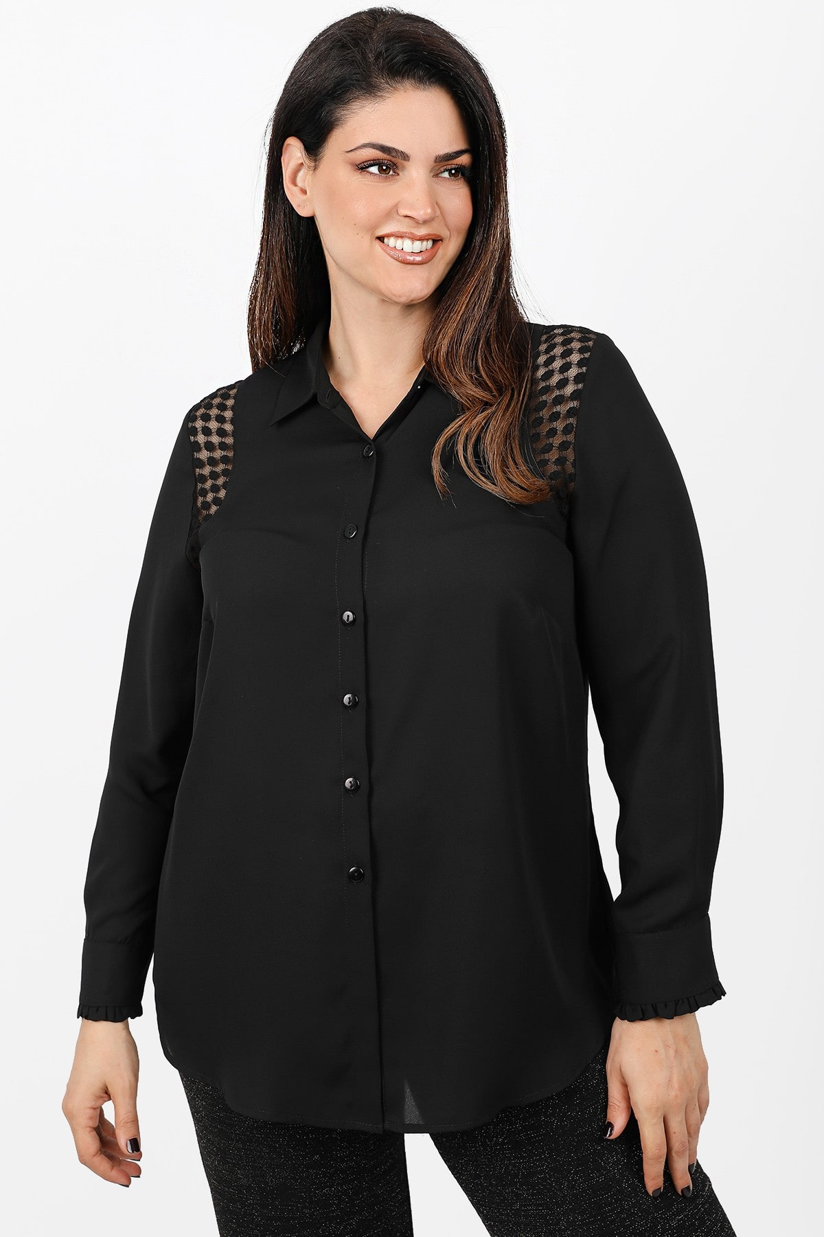 Shirt with plumeti lace details