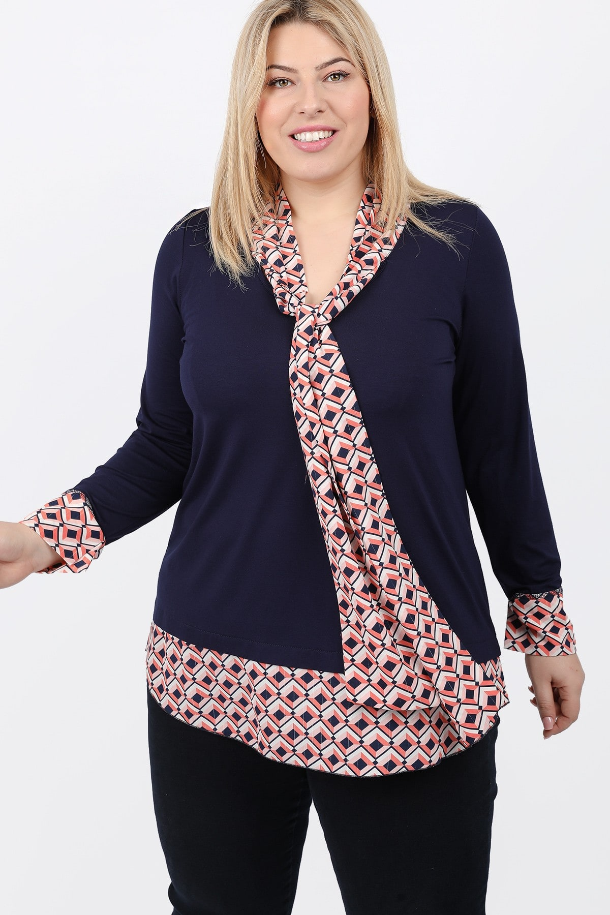 Blouse with details of printed georgette