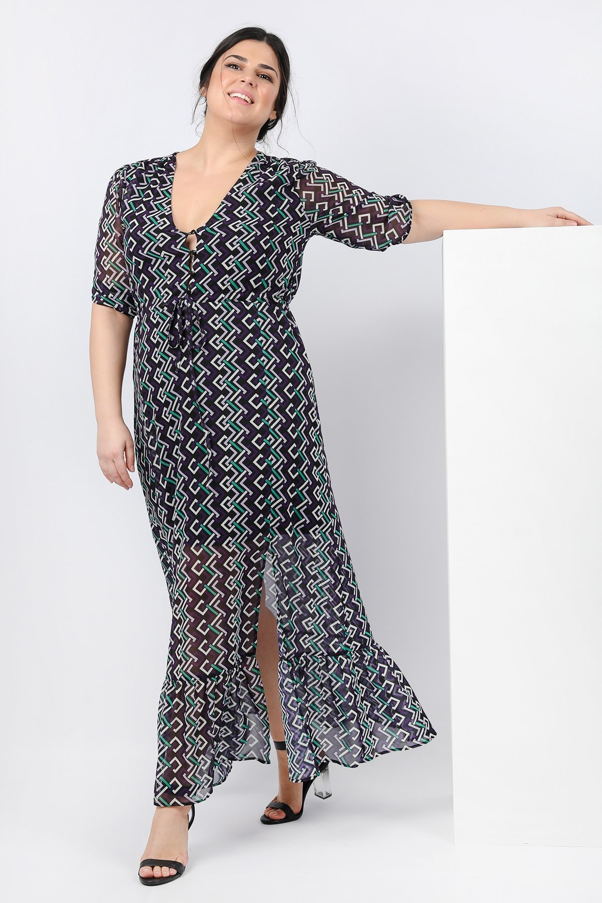 Maxi dress in geometrical print