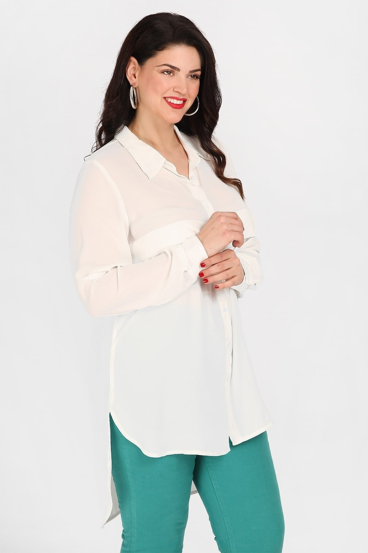 Long asymmetrical shirt with pleat