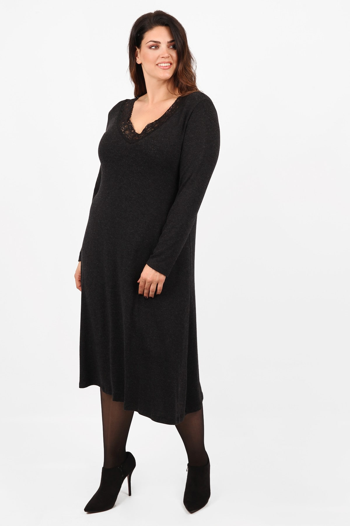 Knit midi dress with lace