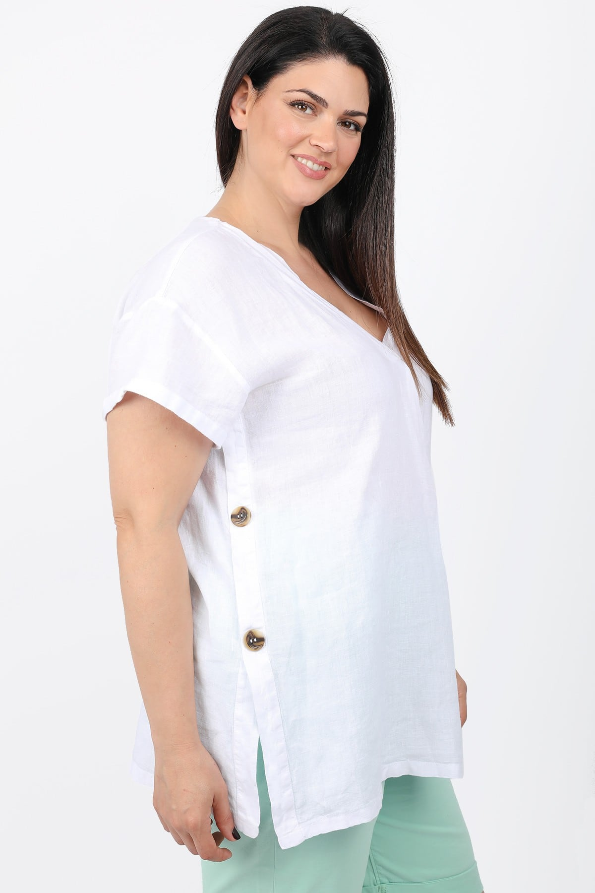 Linen blouse with side buttons