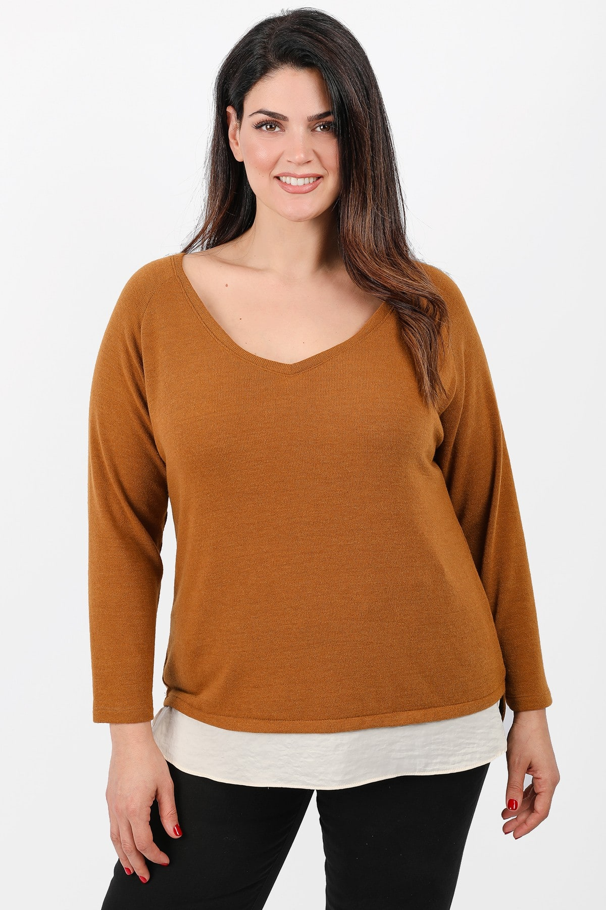 Knit blouse with sateen hem
