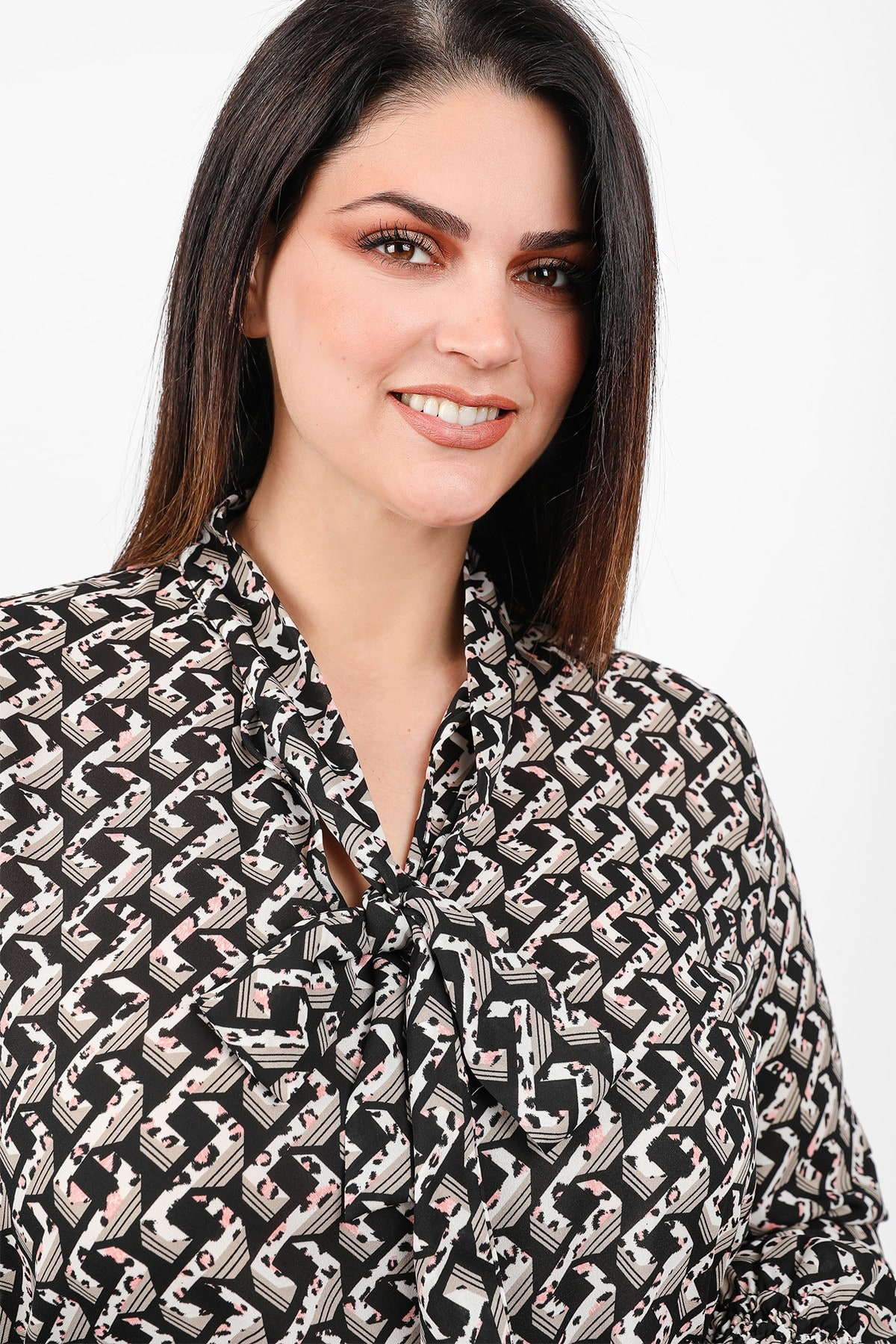 Printed shirtblouse with embossed scarf