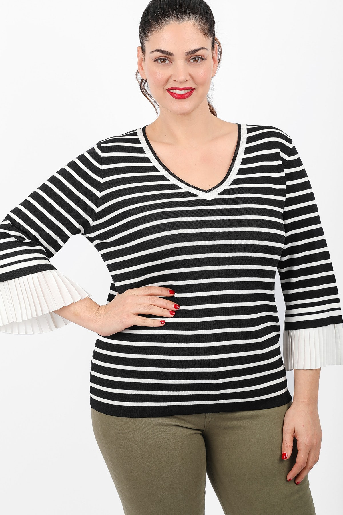 Knit stripe blouse with pleated sleeves
