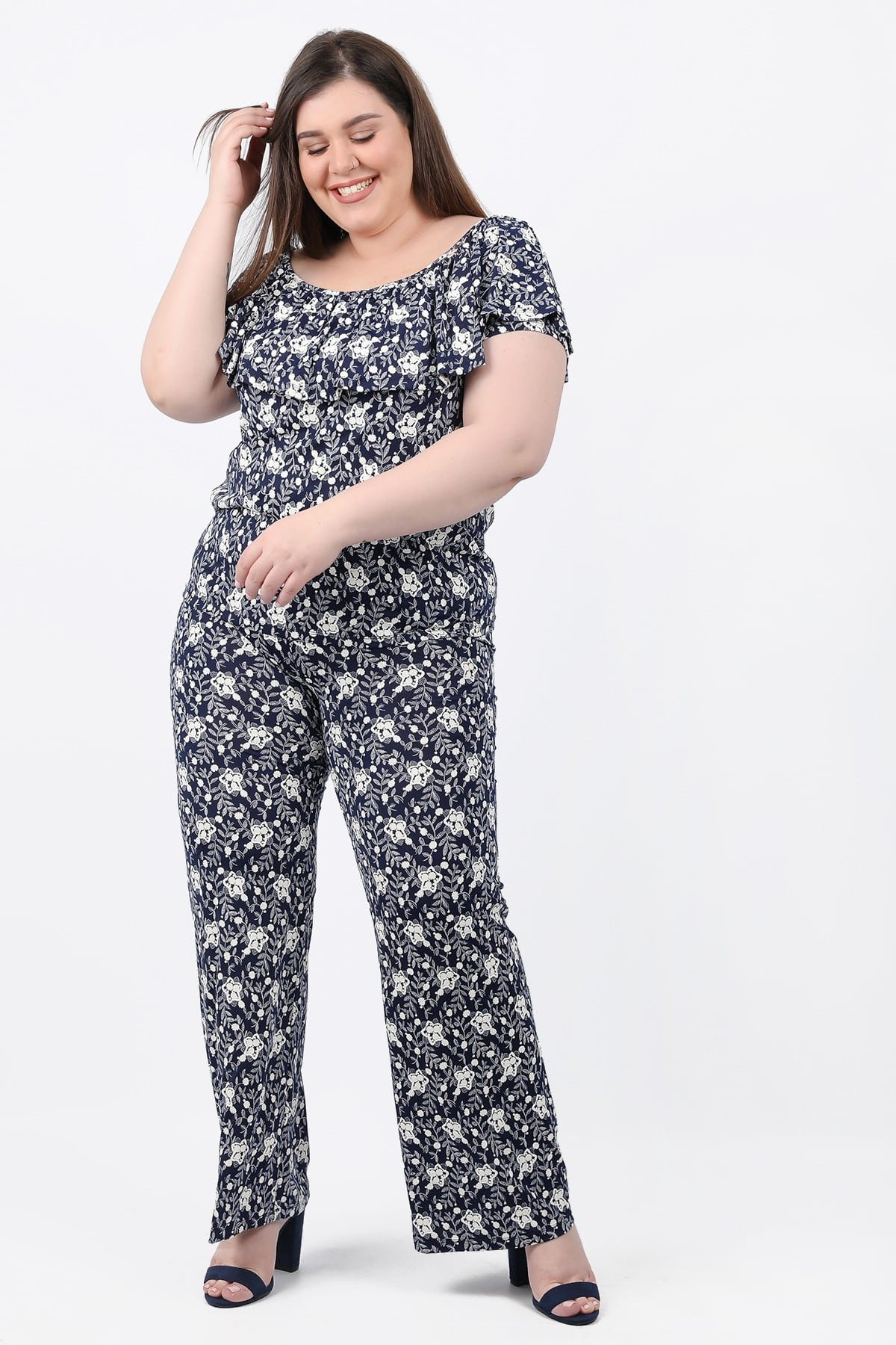 Wide leg trousers in floral print