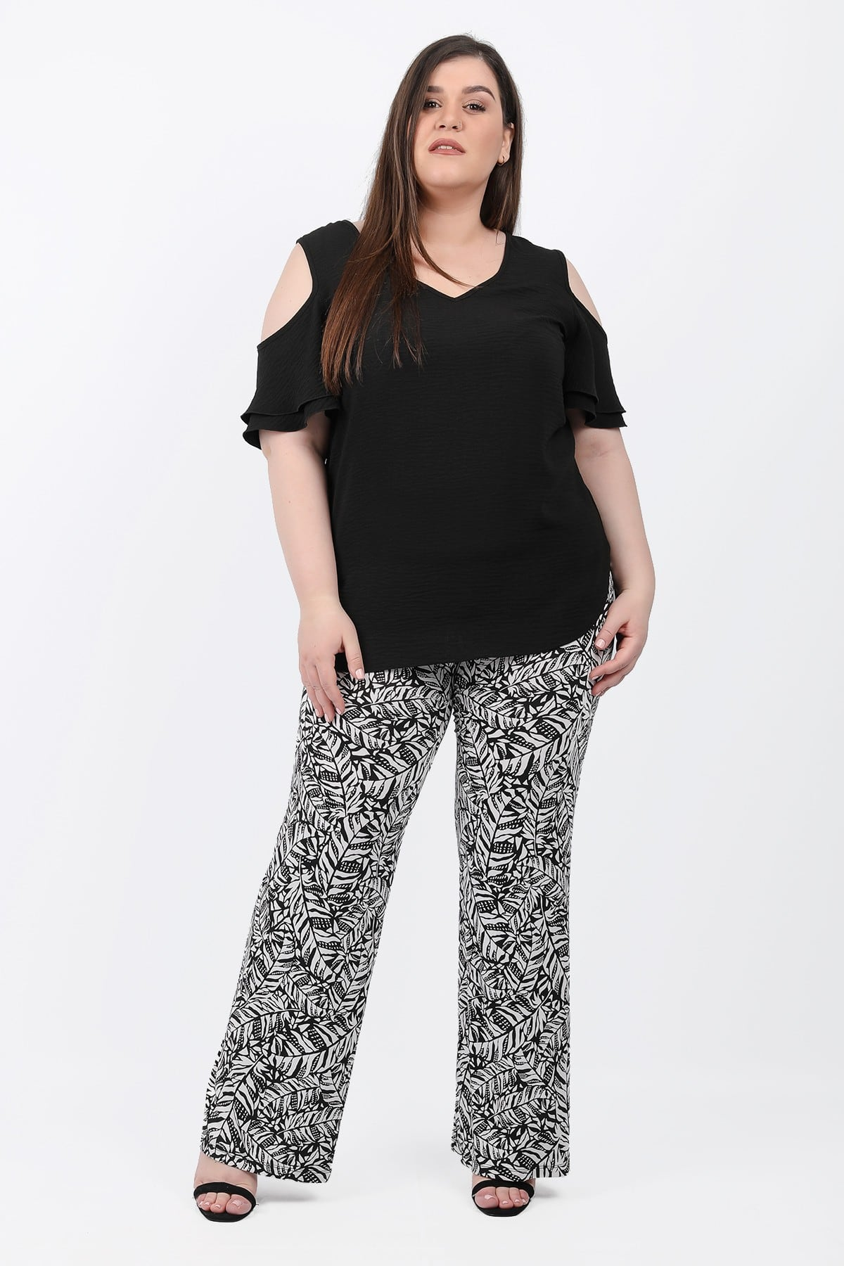 Wide leg trousers allover print leafs