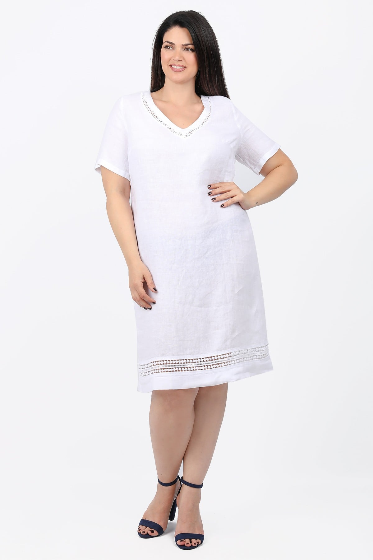 Linen dress with details