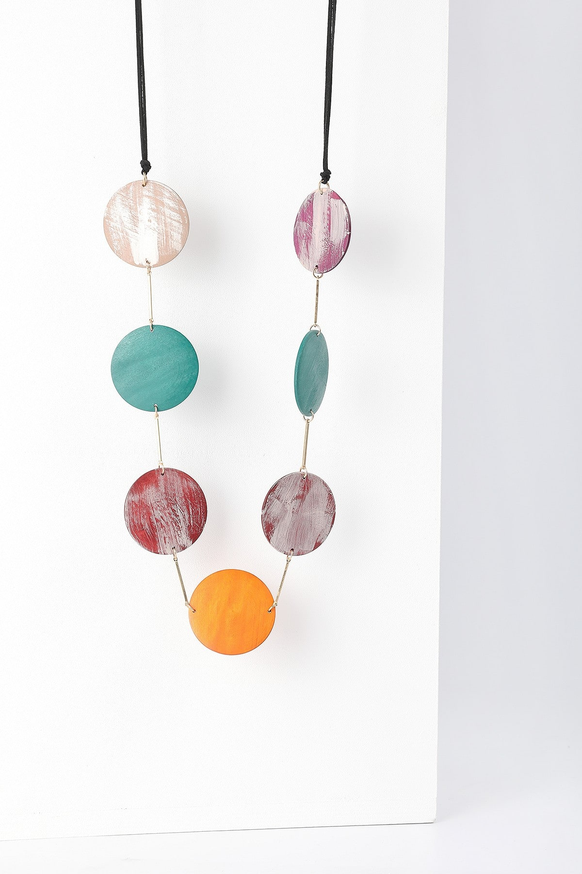 Long necklace with colourful circles