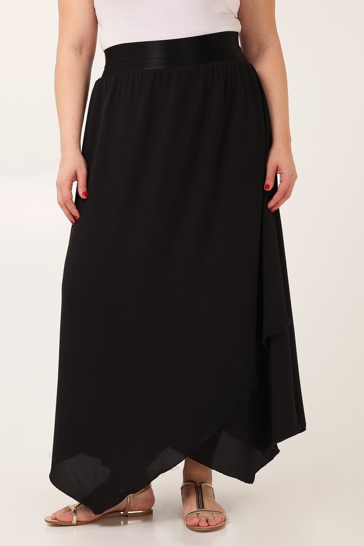 Maxi crepe skirt with pointy hem