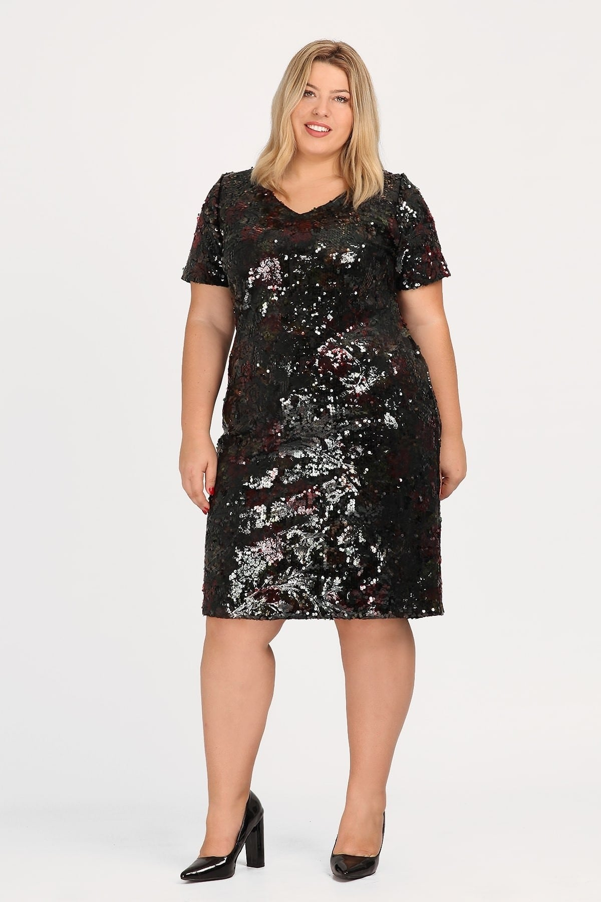 Floral dress from elastic sequins