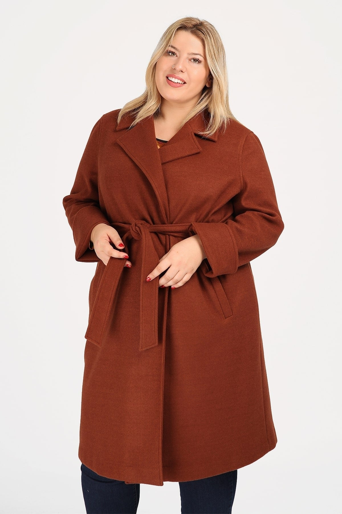Velour coat with belt fastening