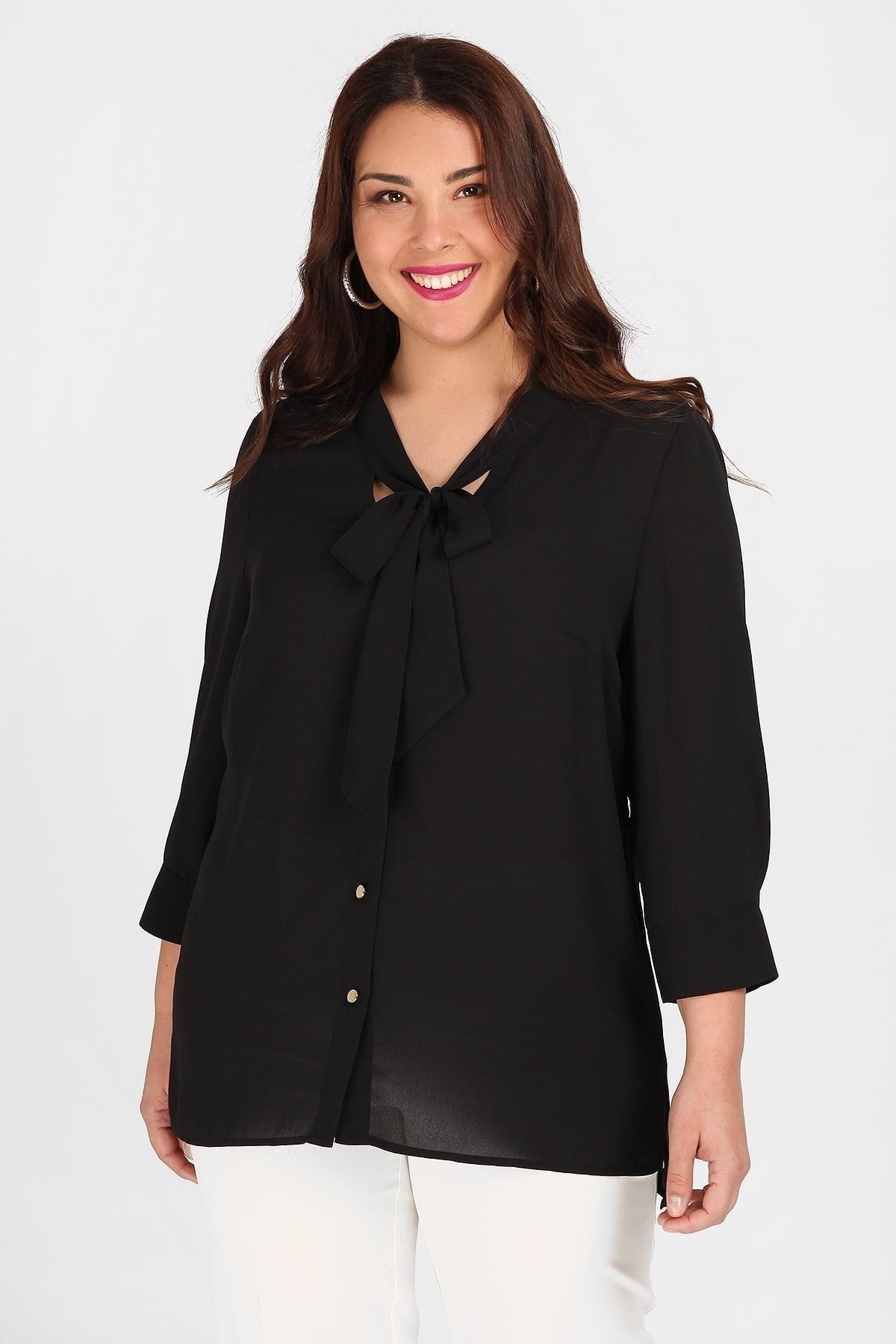 Shirtblouse with georgette hem and golden buttons