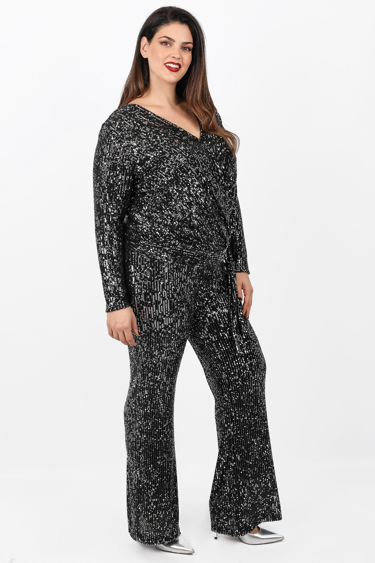 Wide leg trousers from sequins