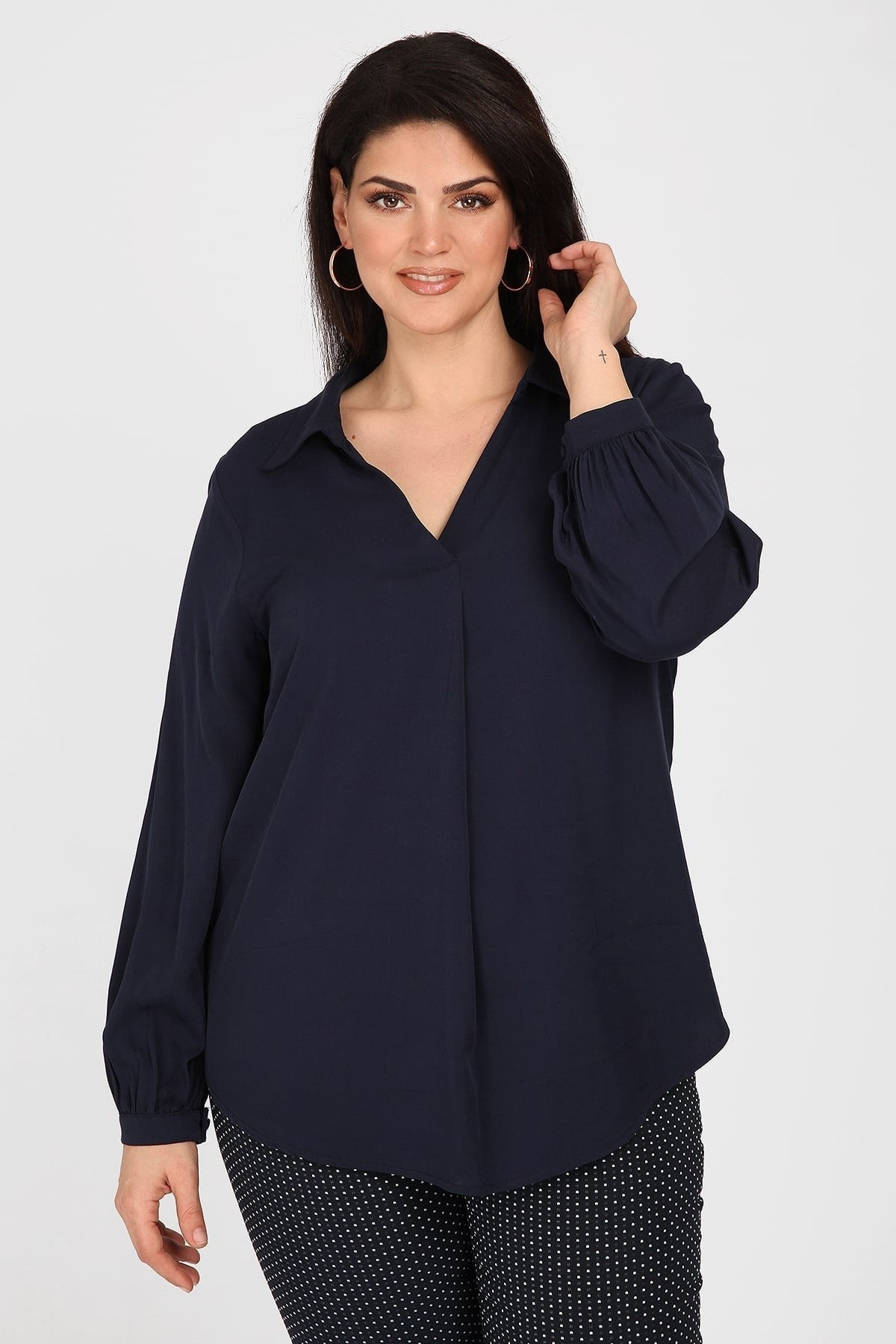Shirtblouse with pleat on the front