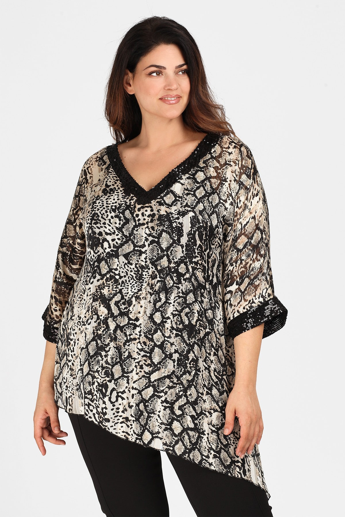Evening leopard blouse with sequins