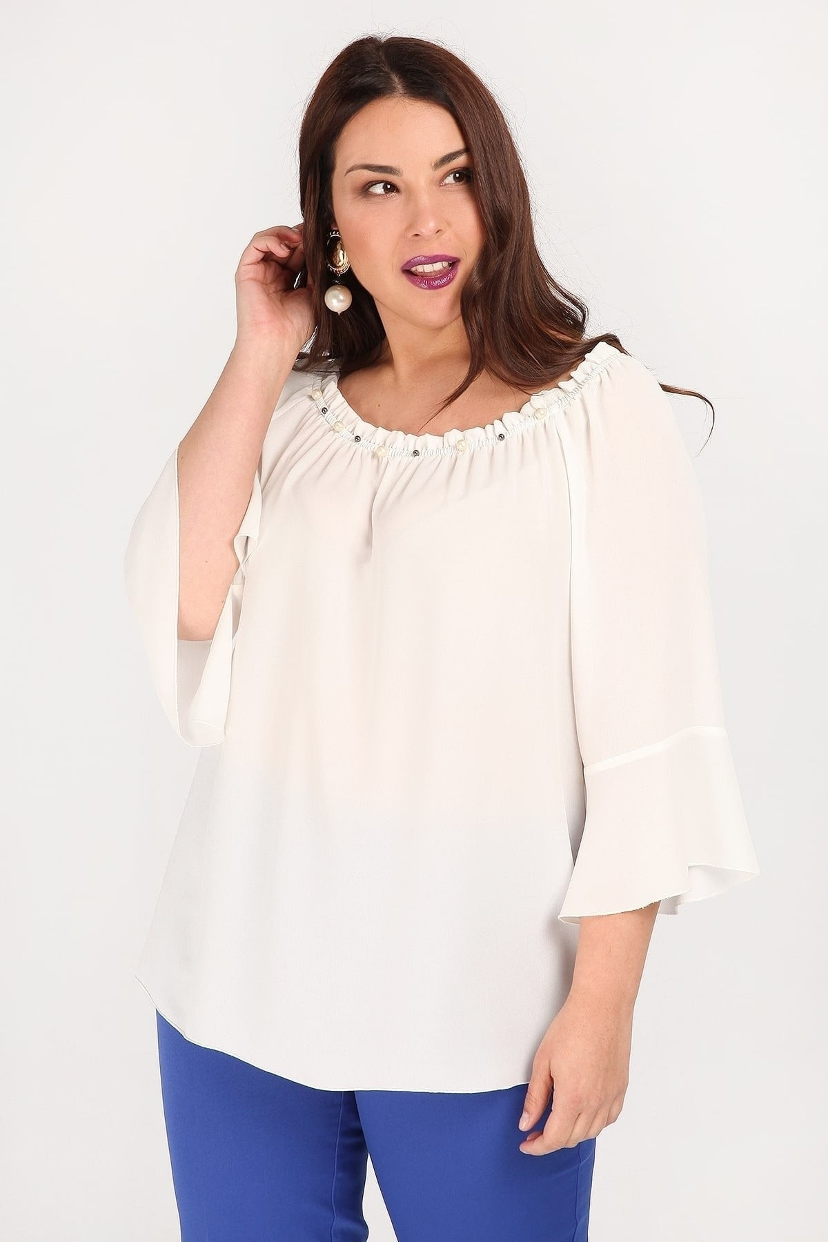Off-shoulder top with pearls