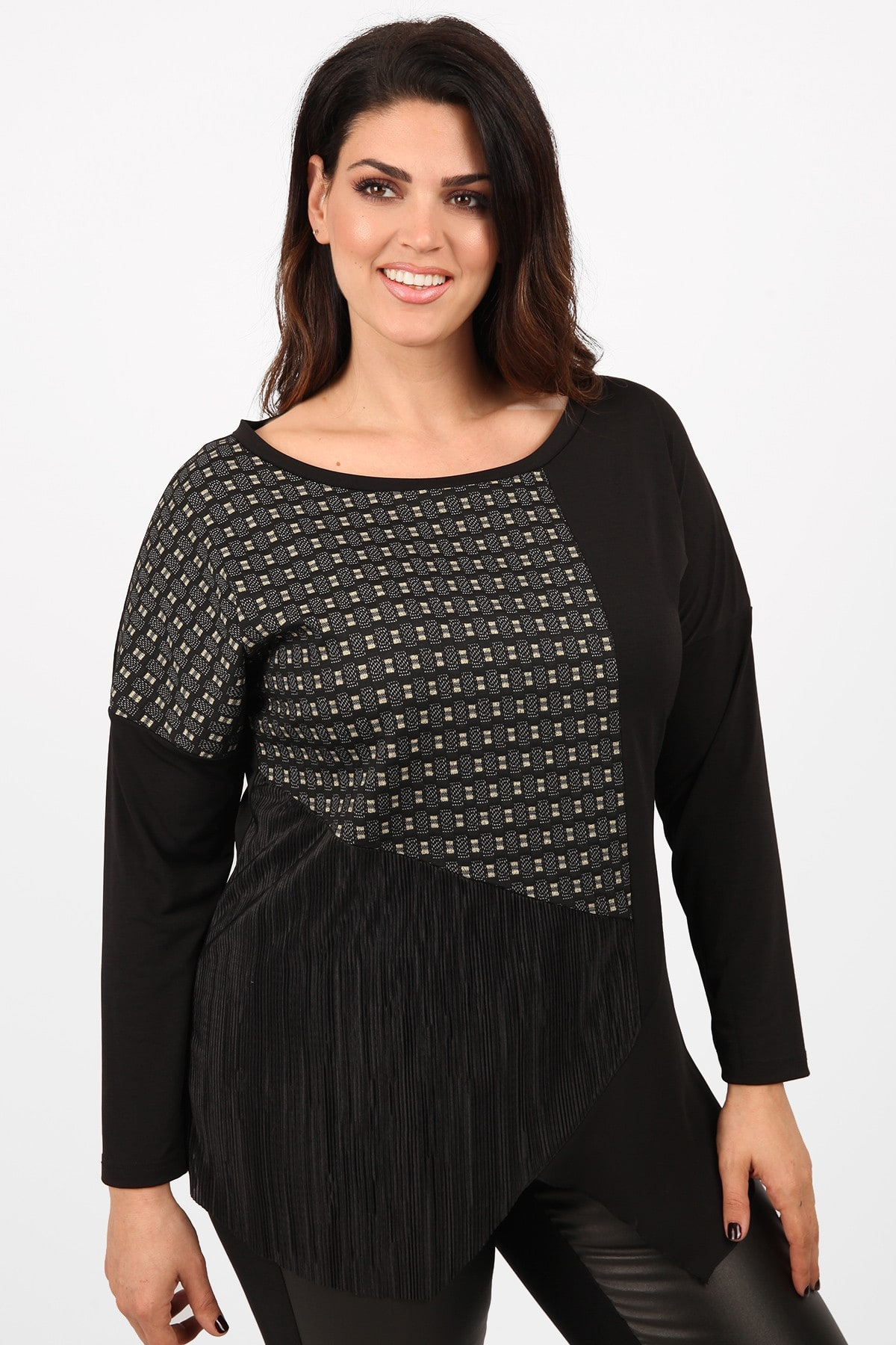 Blouse in the combination of patterns and textures