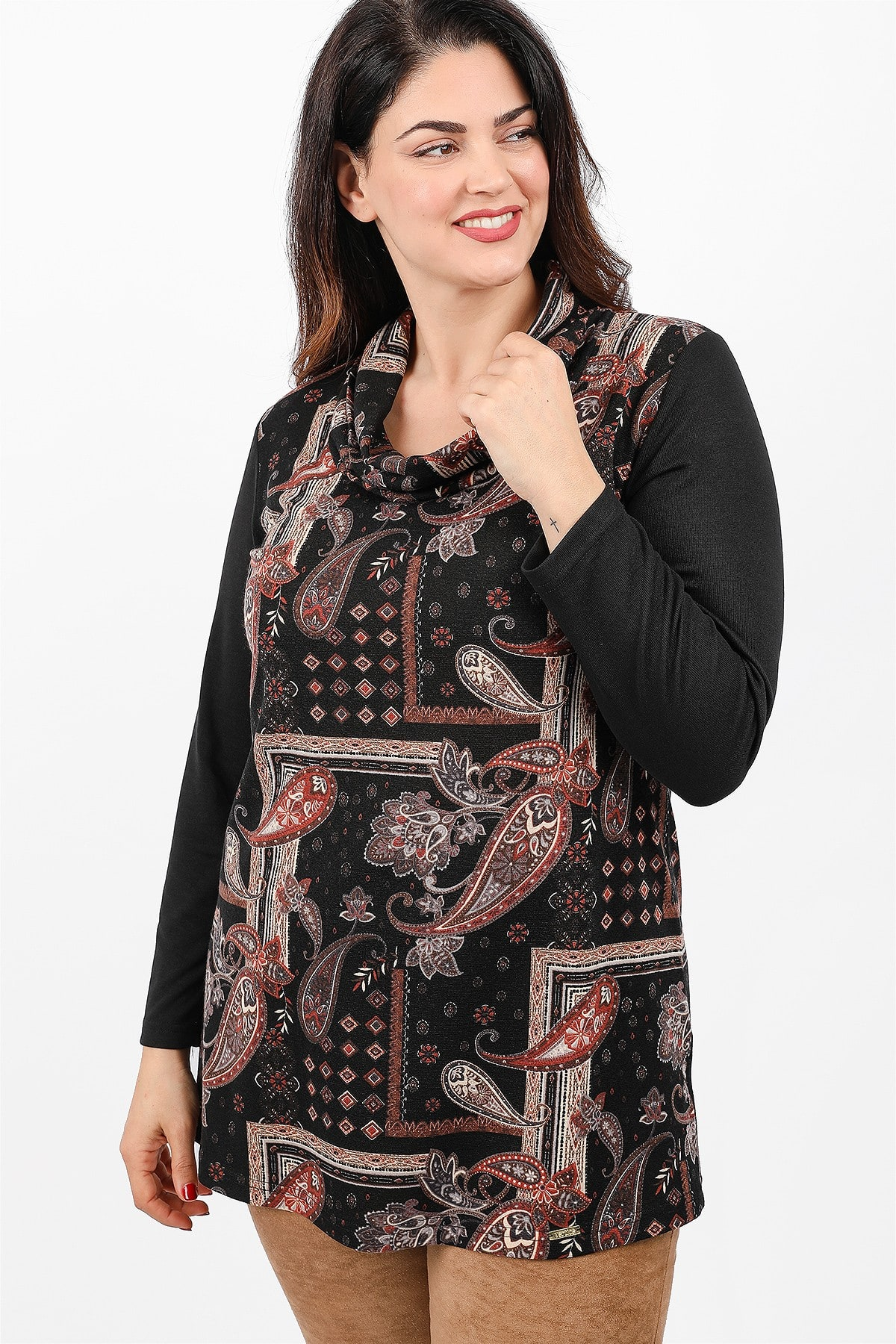 Roll down neck blouse with print at the front view