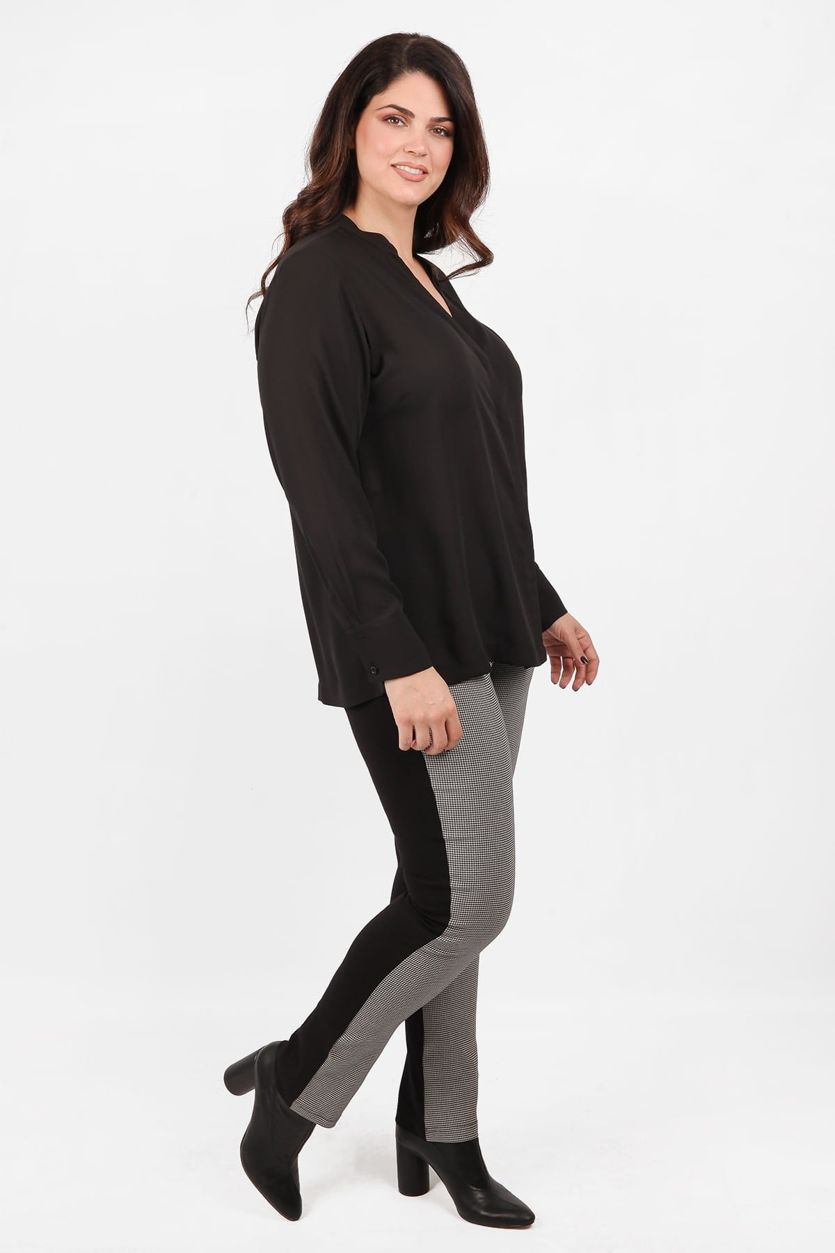 Stretchy checkered vichy treggings with leathered details