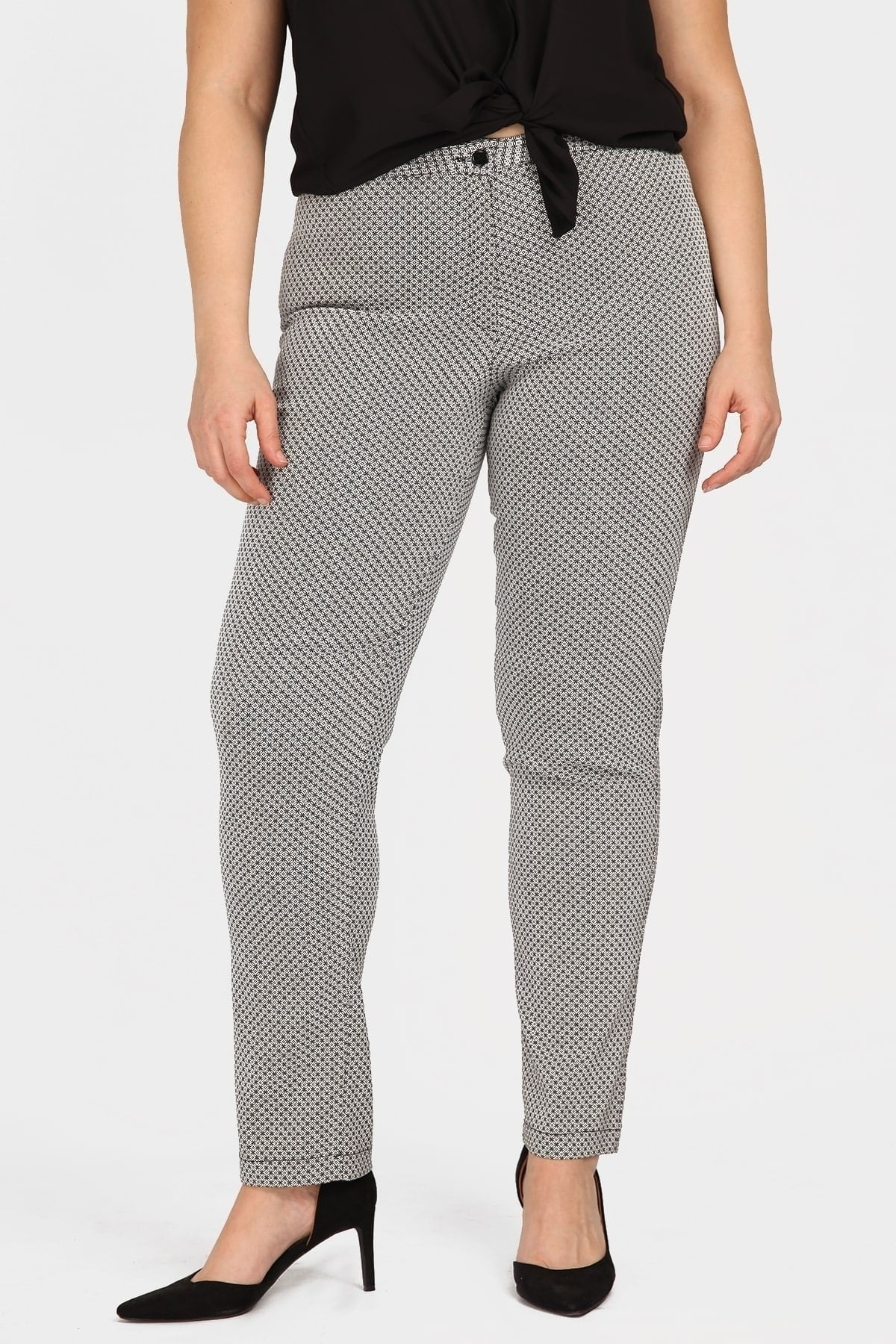 Jacquard trousers in staight-cut line