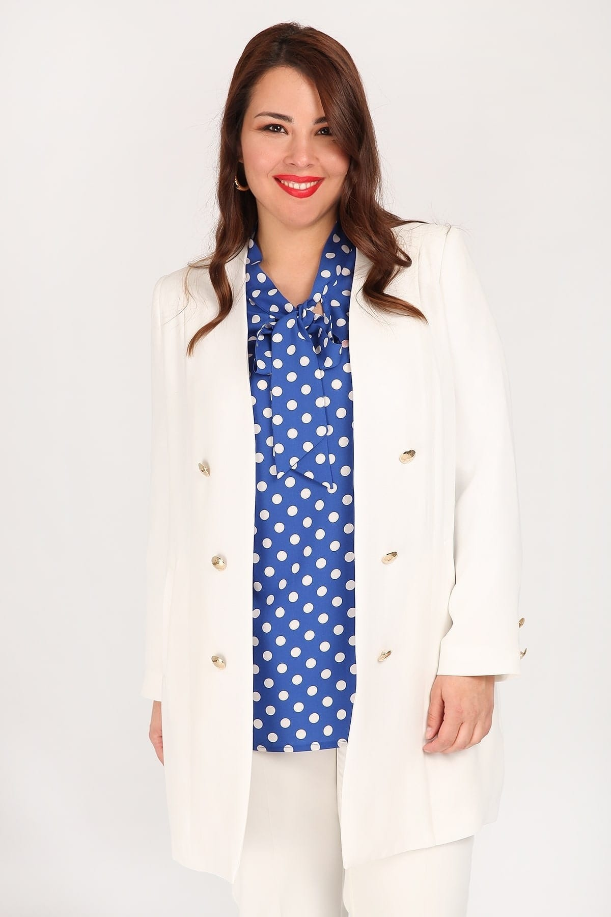 Longline blazer with golden buttons