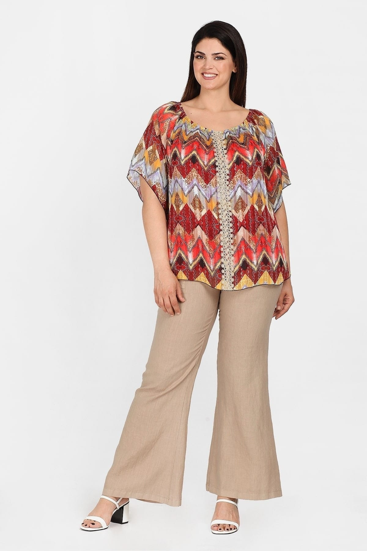 Printed blouse with pendant and laced stripe