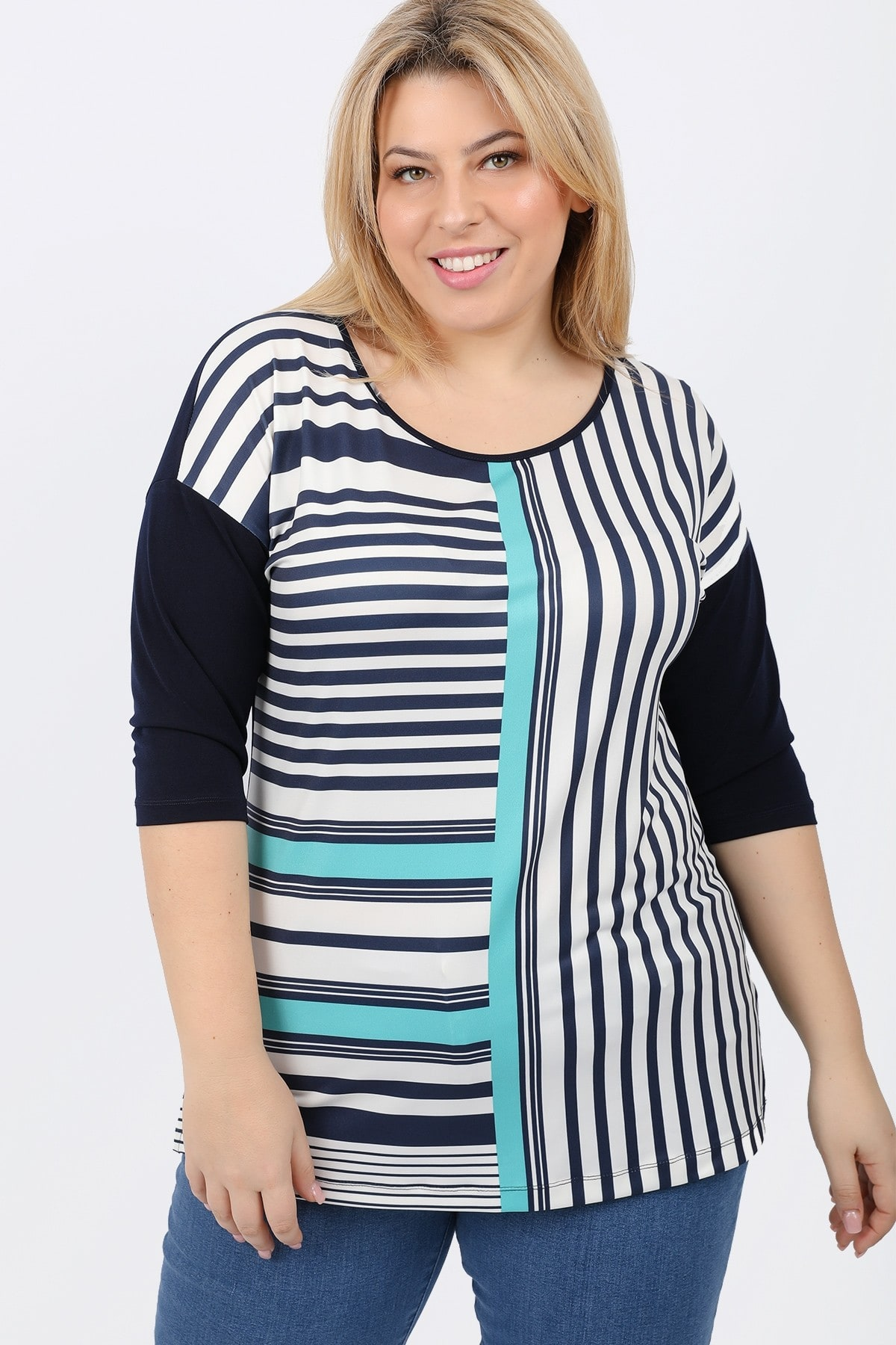 Blouse in print with stripes