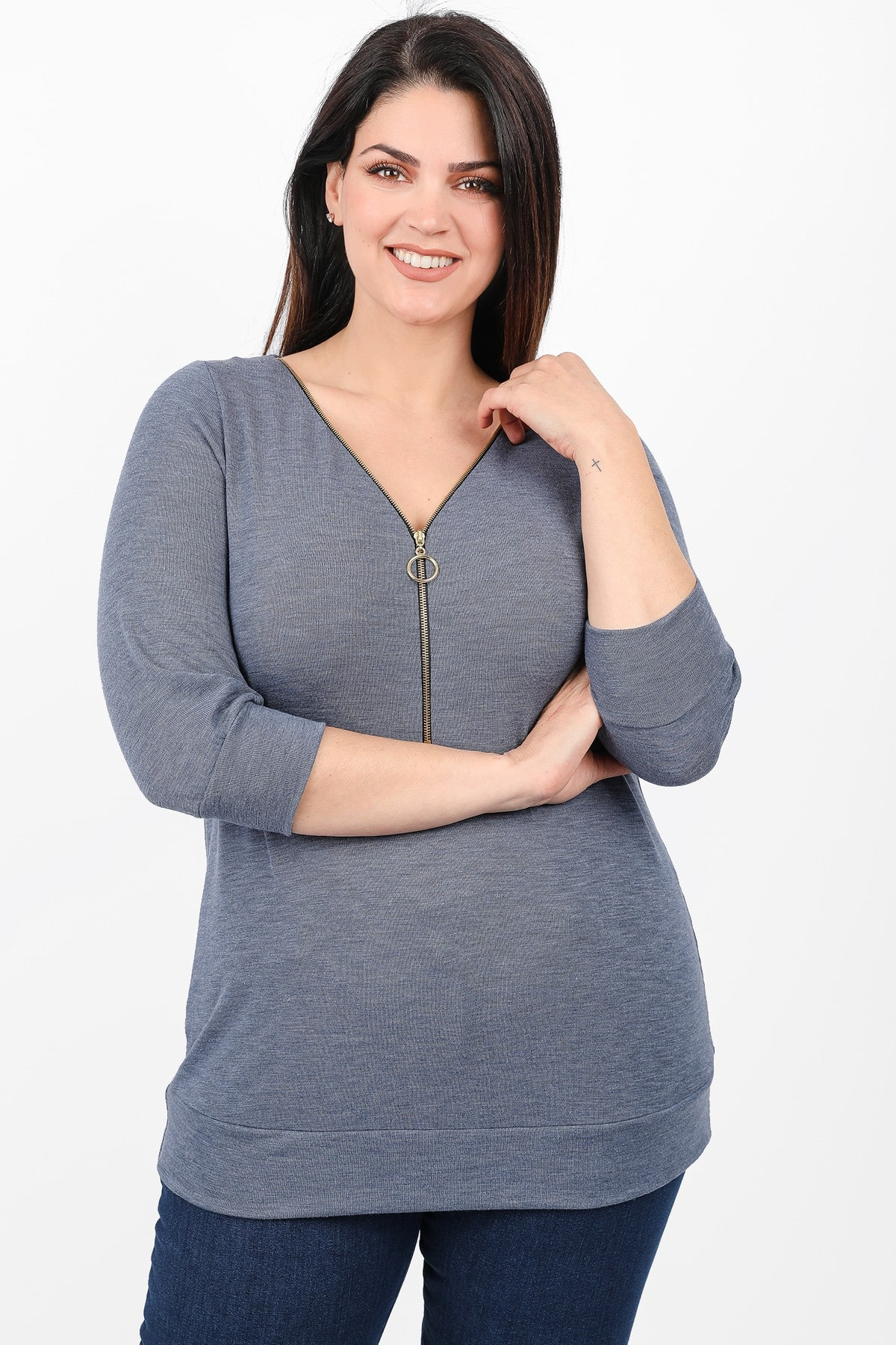 Knit blouse with zipper on the V