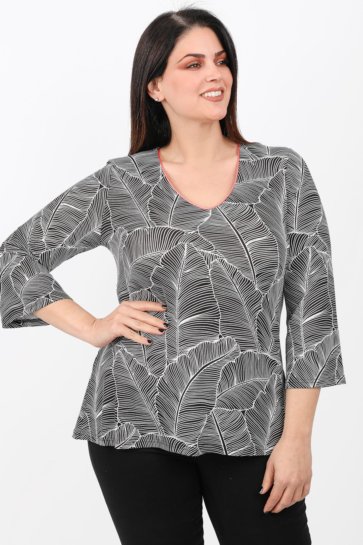 Longsleeved blouse in tropical print