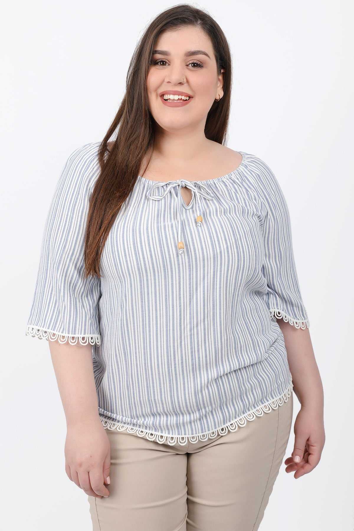 Stripe off-shoulder blouse with ties on the V