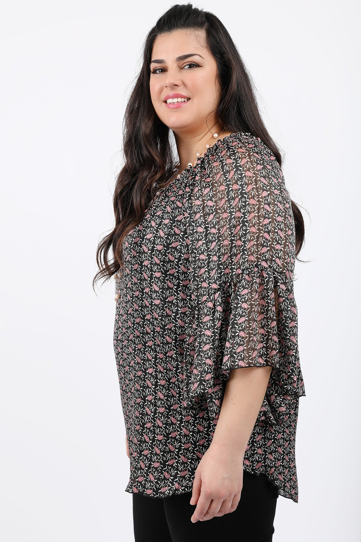 Floral blouse with elastic neckline