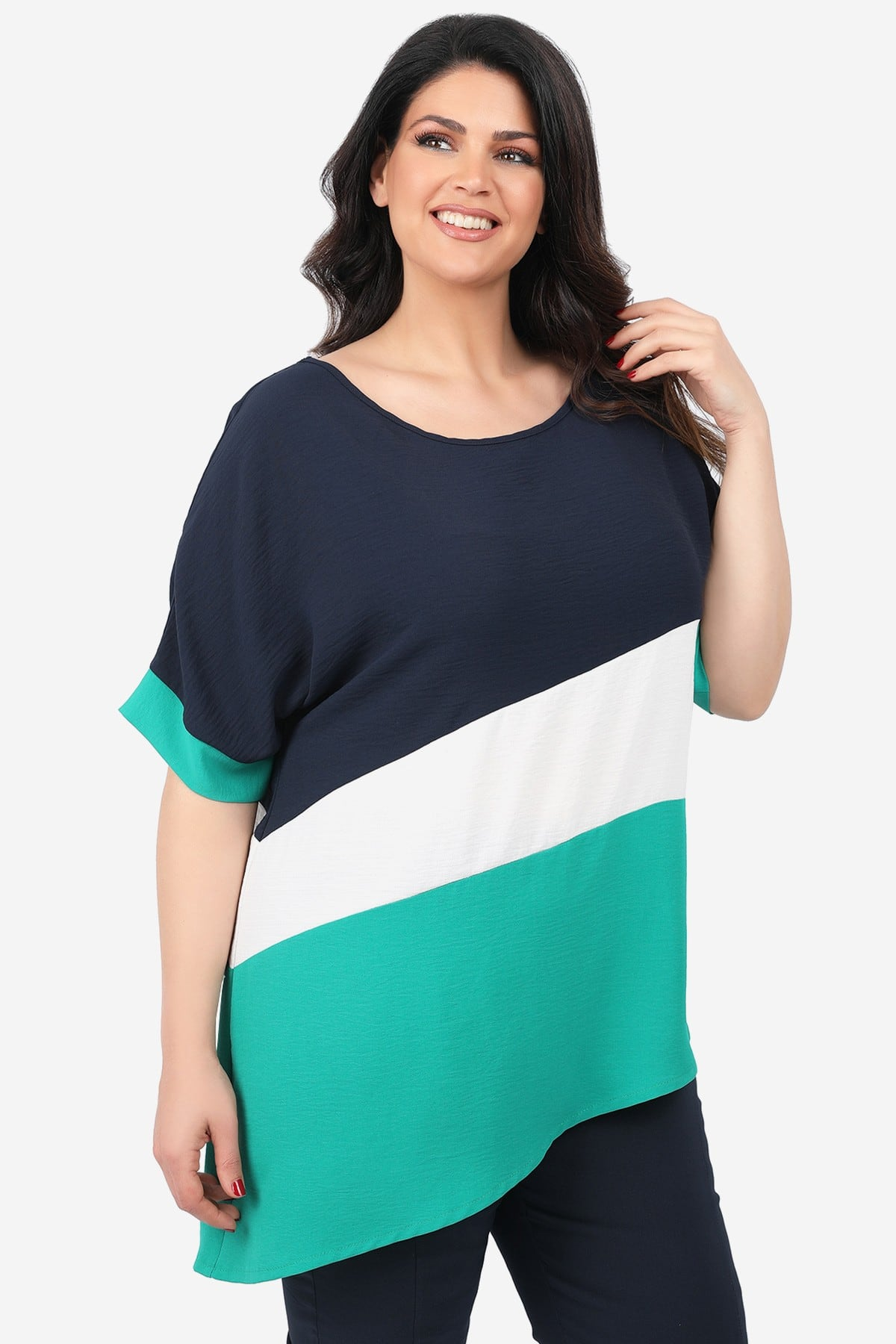 Asymetrical blouse in colorblocking