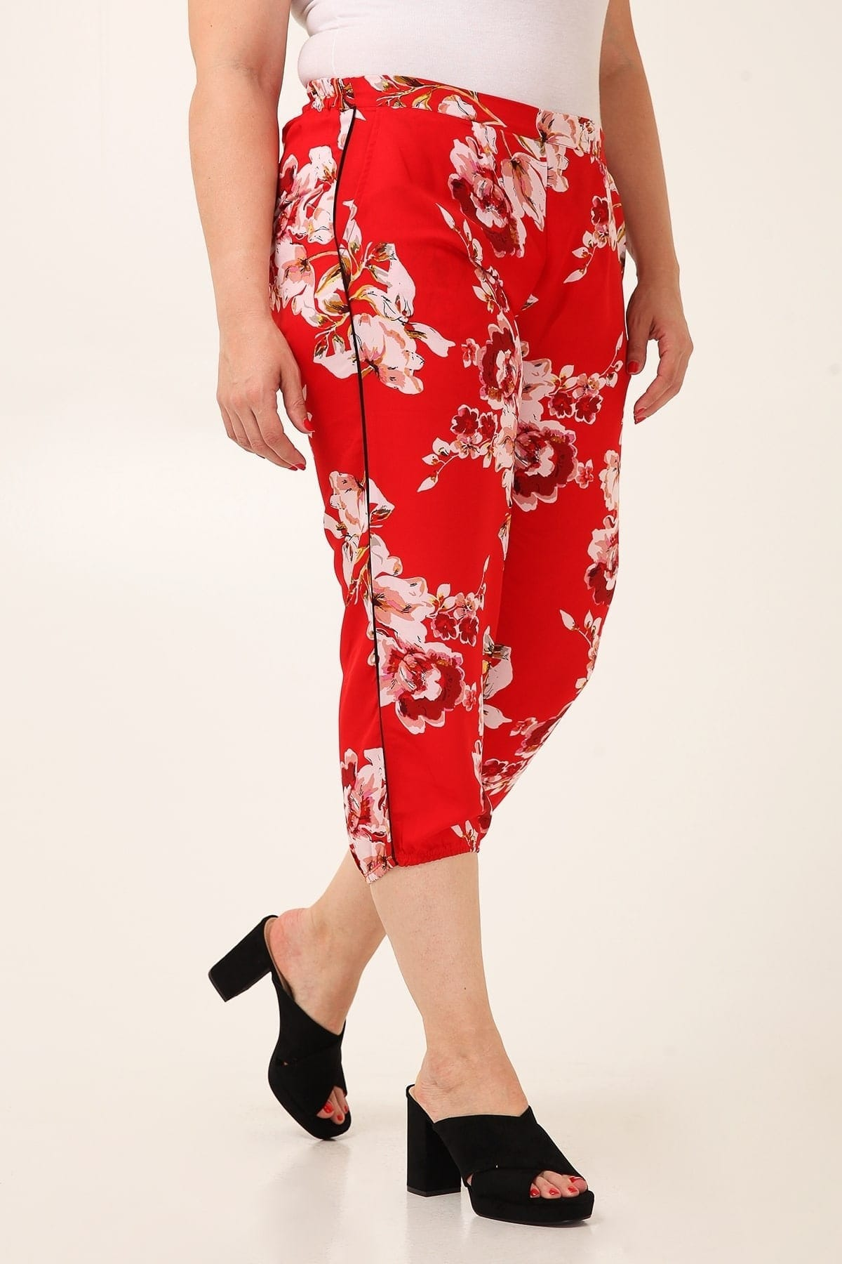 Capri bubble floral georgette trousers with side stripes