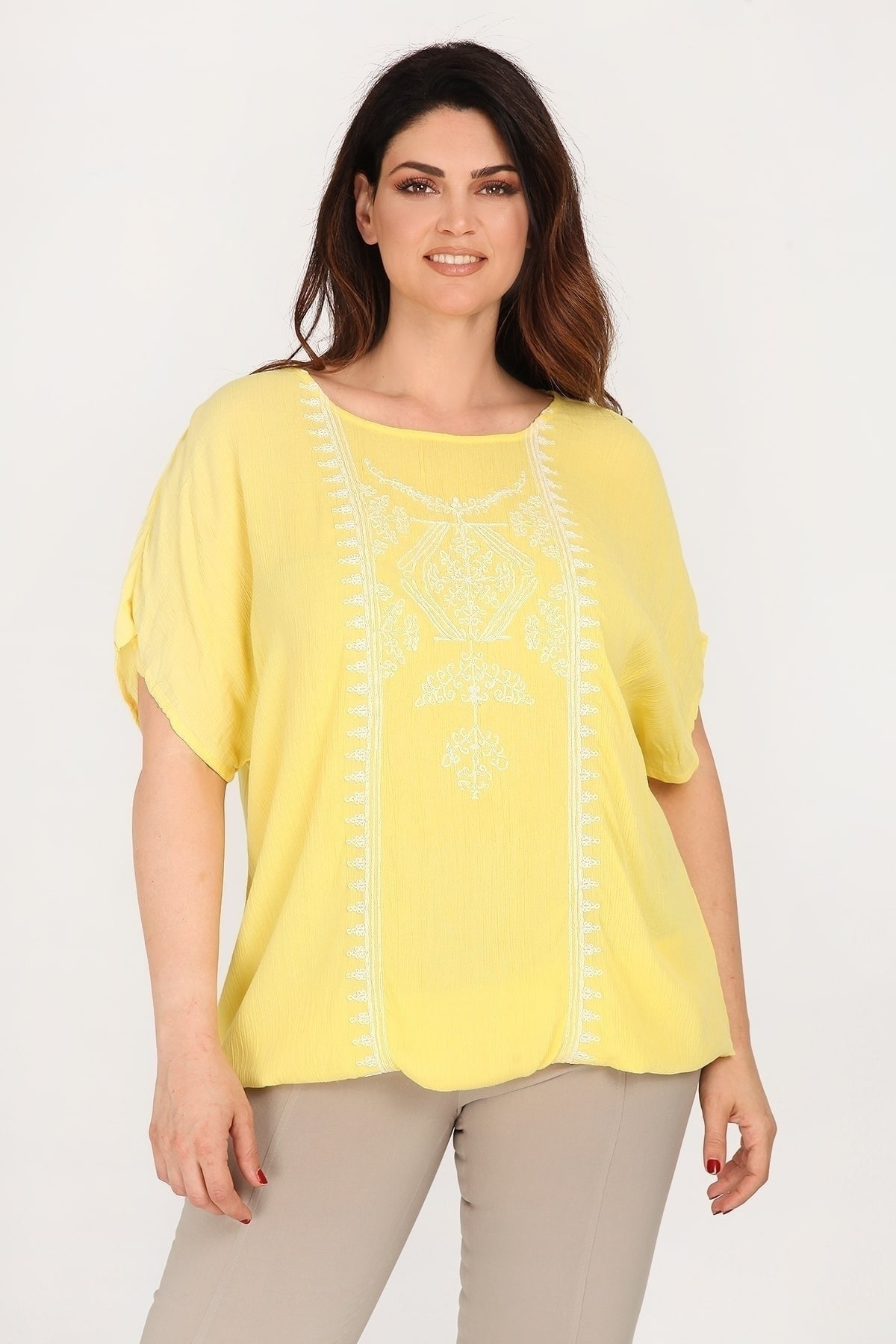 Viscose tunic with embroidery on the neckline