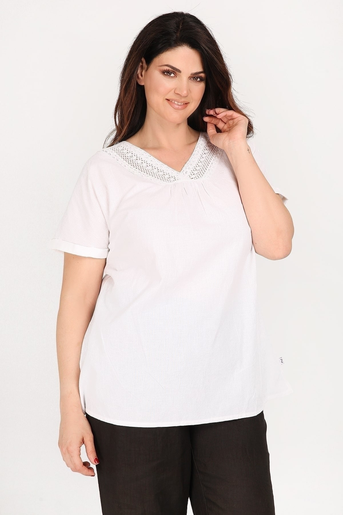Linen blouse with embroidery V